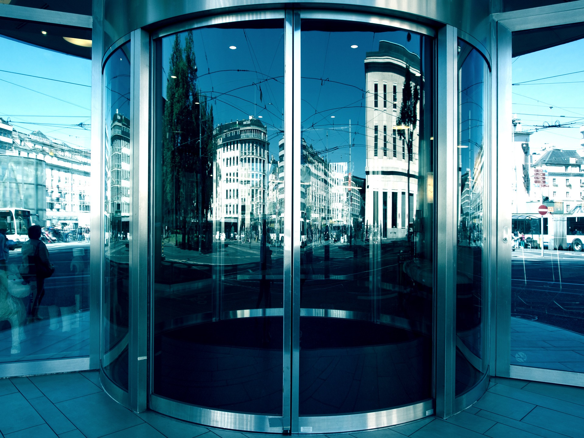 automatic contact redwood glass doors