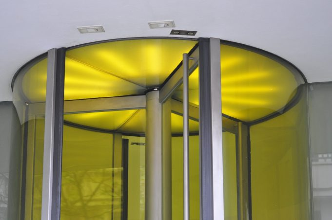 know When You Replacing You're Commercial Glass Doors