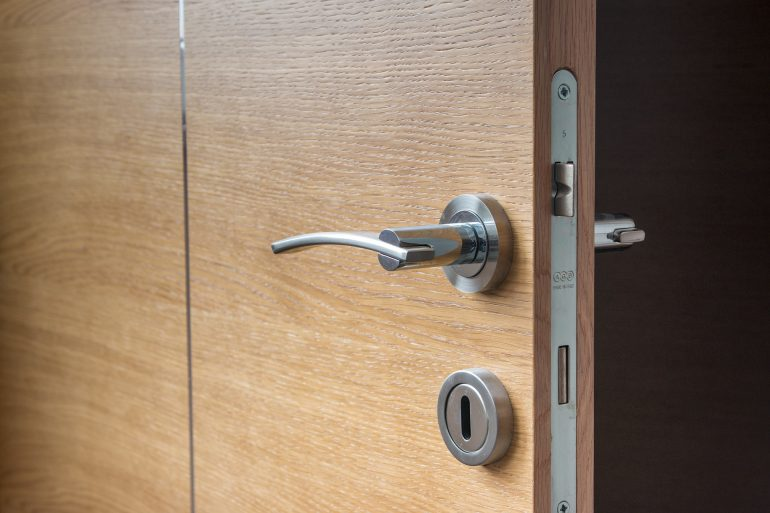 The 5 Best Door Repair Blogs
